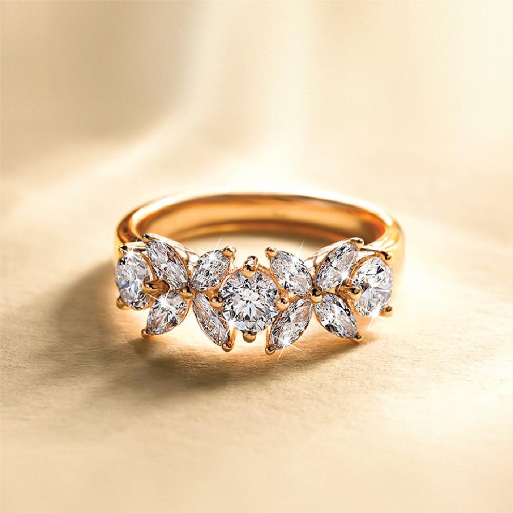 Red Carpet Ring