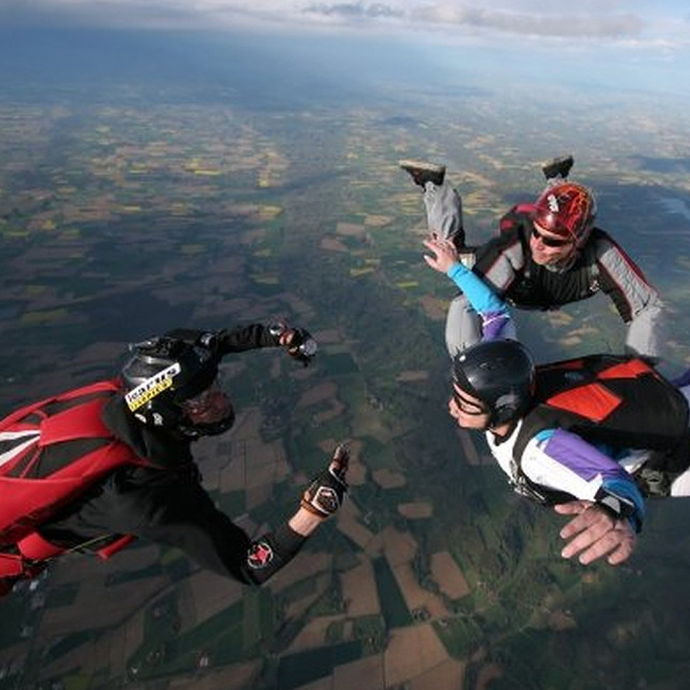 Al Arabi Travel Agency Skydiving in France Contribution
