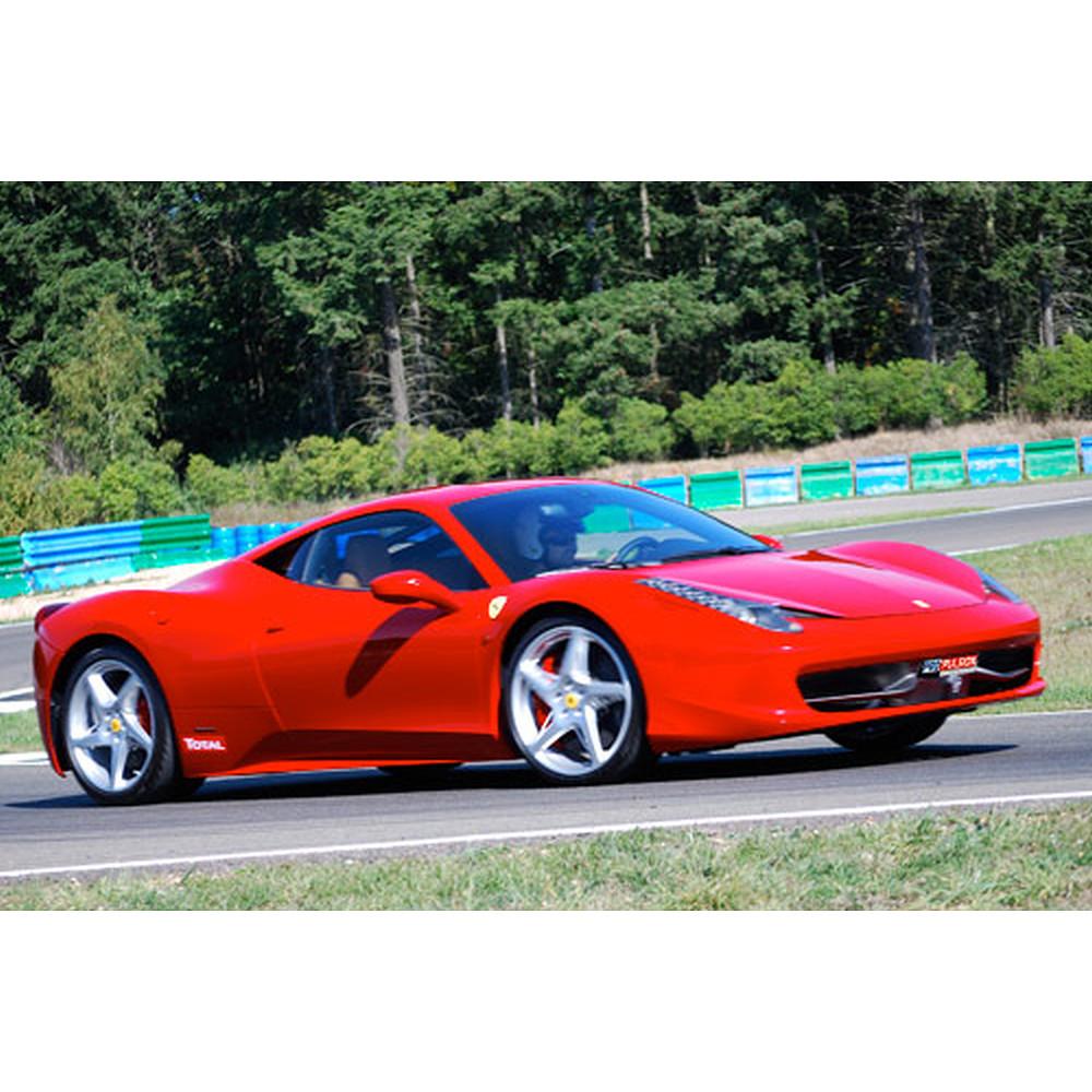 3 laps driving a Ferrari 458 I talia on the Club circuit