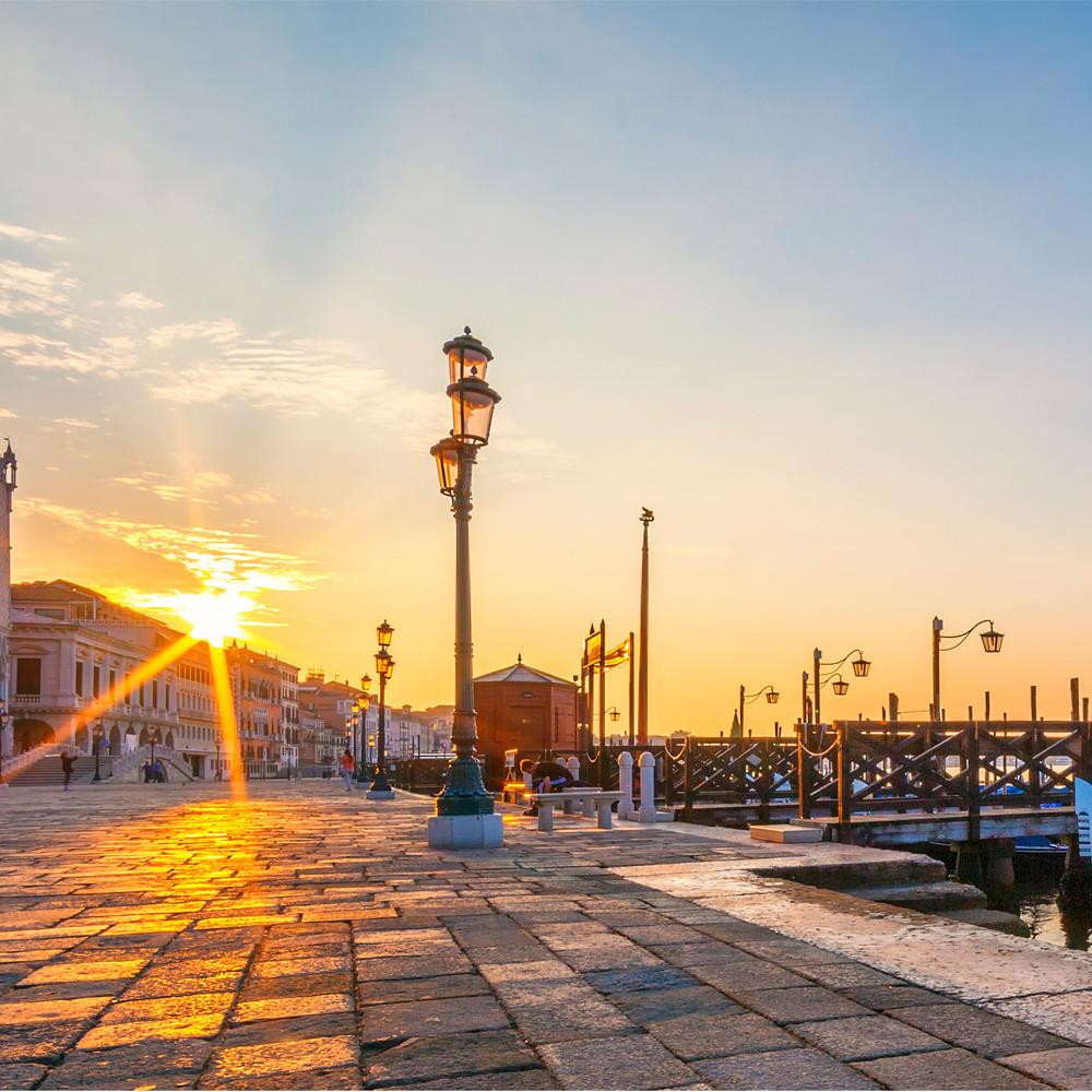 Contribution to Honeymoon Suite in Venice