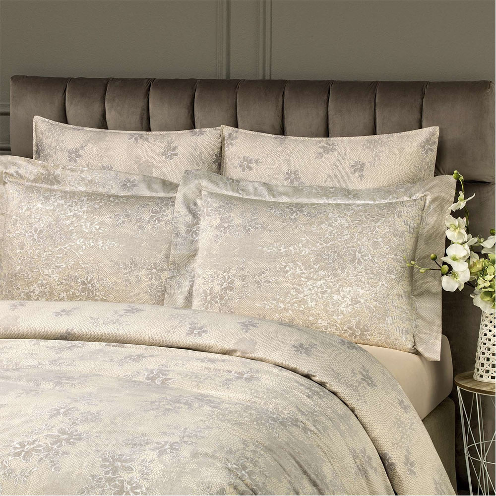 Togas Emmie Bedding Set Gray