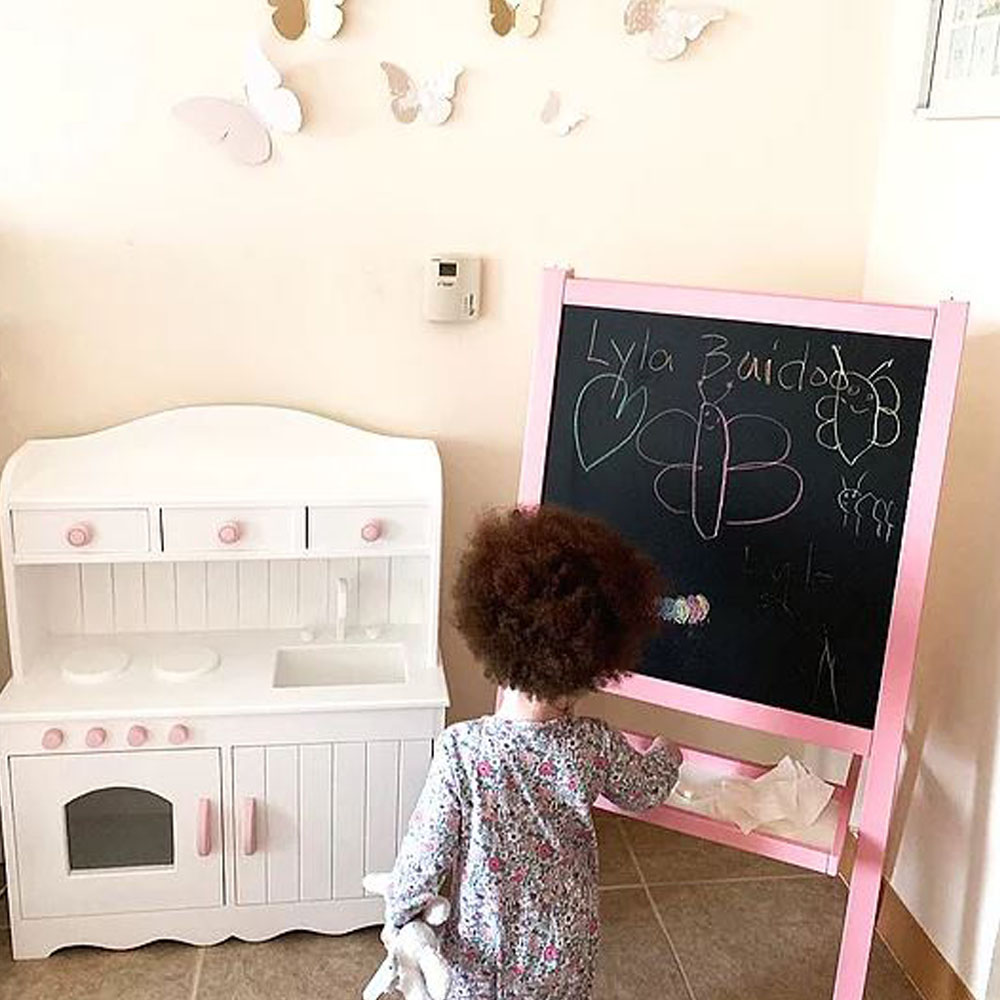 The Lyla Play Kitchen